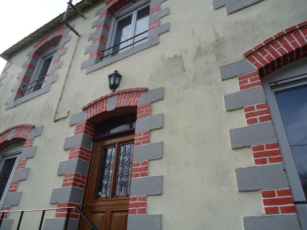 A Vendre Maison Pontivy Bretagne Morbihan 66m² 2 chambres jardin 310m² garage grenier sous sol complet