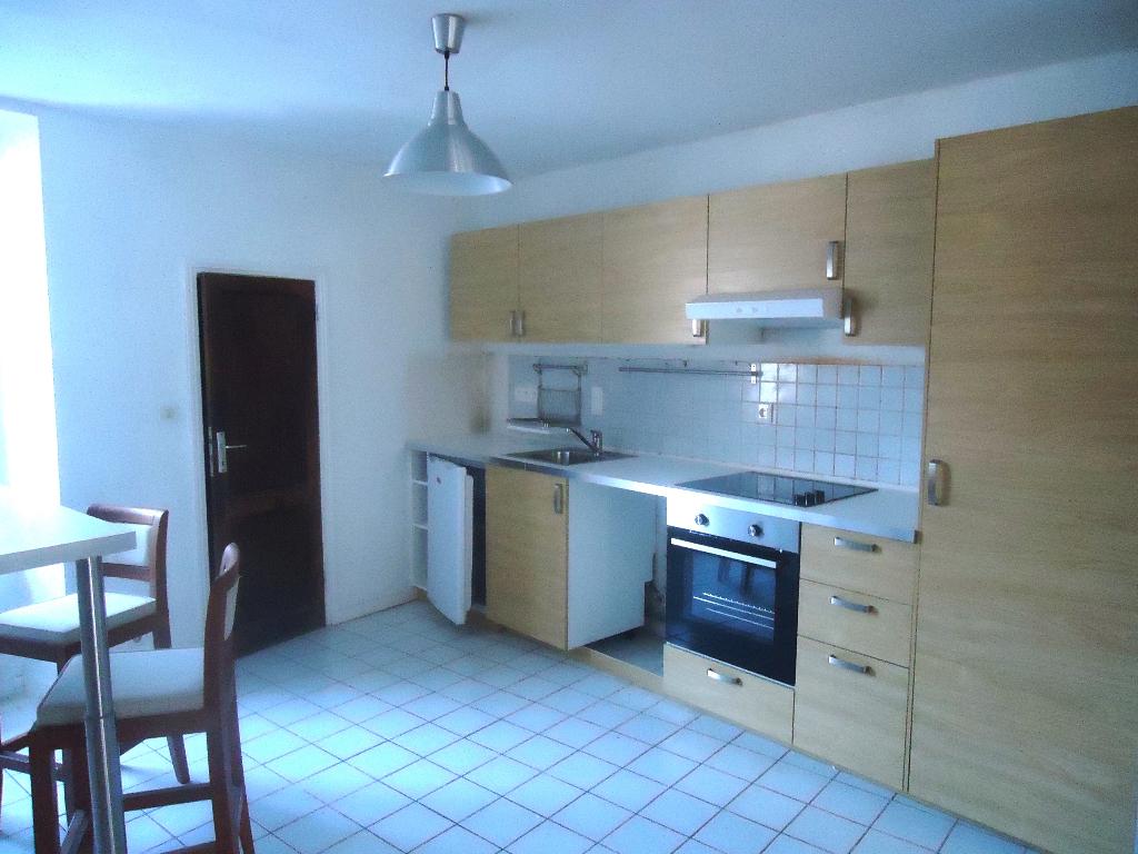 A louer Bretagne Morbihan Pontivy Appartement de Type 2 rénové en centre ville