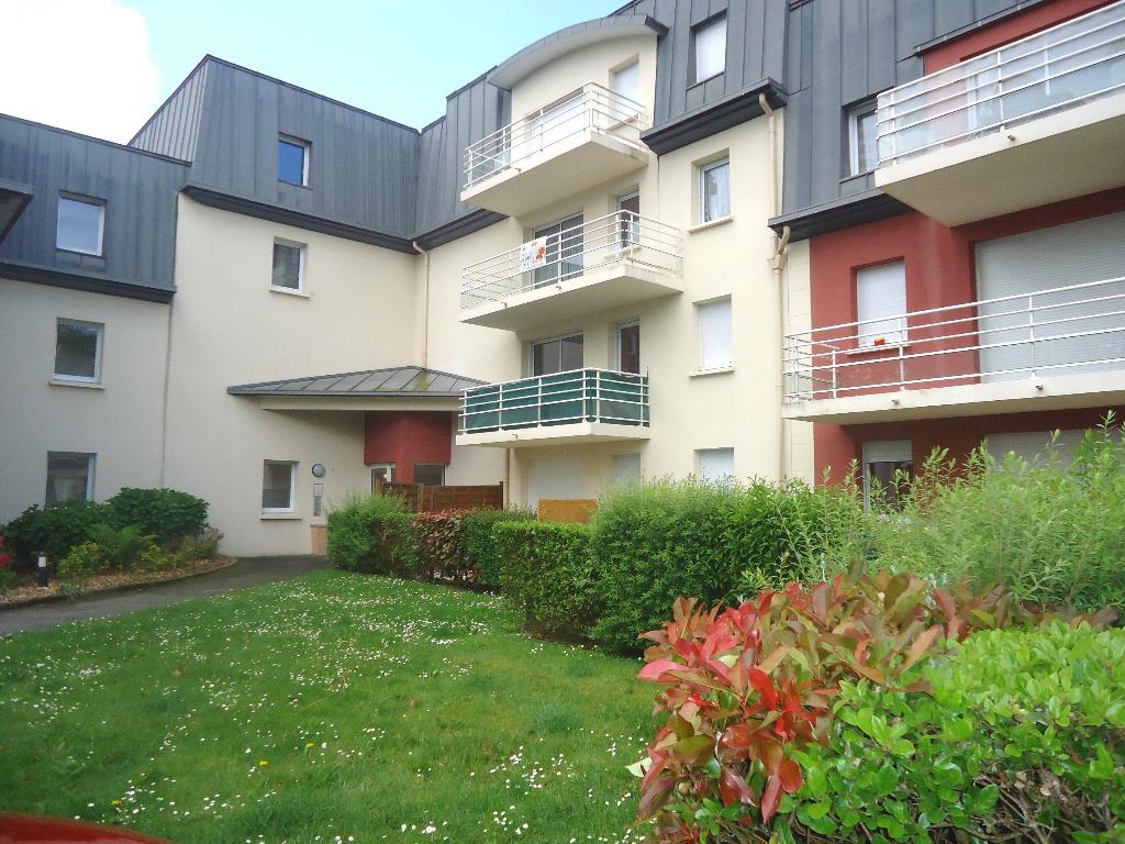 A louer appartement Pontivy Bretagne Morbihan 1 chambre 2 pieces superficie 41 m2 avec jardin
