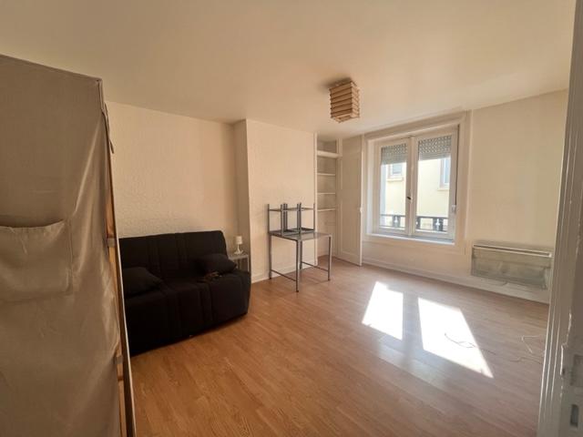 A Louer Bretagne Morbihan Pontivy appartement t1 bis 27m2 cuisine aménagée