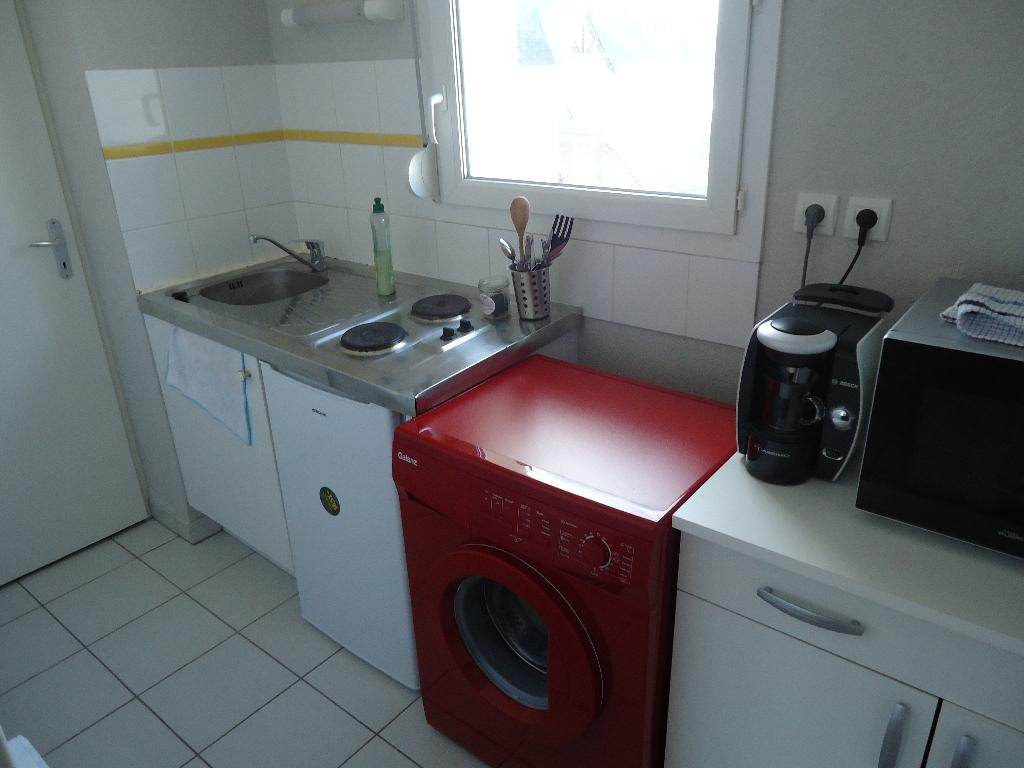 A Vendre Appartement Pontivy Morbihan 2 pièces 48.30 m2 séjour cuisine semi ouverte 1 chambre BALCON