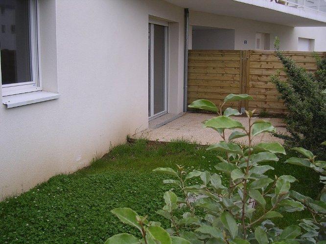 A louer à Pontivy Bretagne Morbihan appartement 63m2 2 chambres terrasse jardinet  9m2
