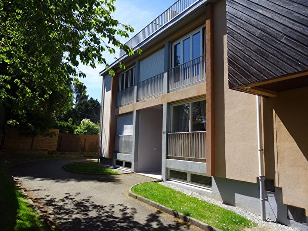 A Vendre Appartement T2 Bis Pontivy 56300 Bretagne Morbihan 65 m2 3 pièces dans résidence