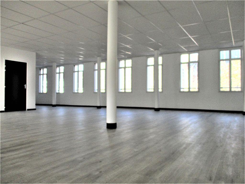 A Pontivy Bretagne Morbihan local commercial de 153.05 m2 en plein centre ville